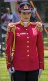 Schöne junge Armeefrau Lizenzfreies Stockfoto