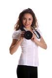 Schöne junge asiatische Frau, die mit Kamera aufwirft Stockfotos