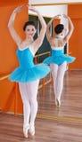 Schöne junge Ballerina stockbilder