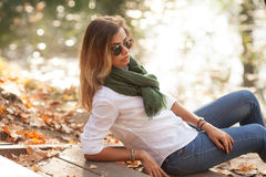 Schöne junge blonde Frau Lizenzfreies Stockfoto