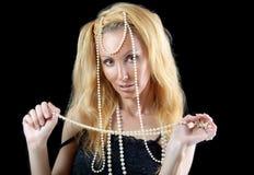 Schöne junge blonde Frau mit dem langen Haar Stockbild