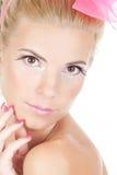 Schöne junge blonde Frau mit heller Verfassung Lizenzfreies Stockbild