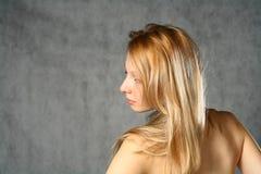 Schöne junge blonde Frau. Portrait. Lizenzfreie Stockfotografie
