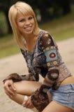 Schöne junge Blondine Stockfoto