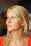 Schöne junge Blondine. Stockfotos
