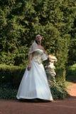 Schöne junge Braut lizenzfreie stockfotos