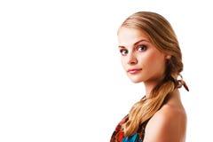 Schöne junge Dame im bunten Kleid Lizenzfreie Stockbilder