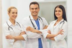 Schöne junge Doktoren Lizenzfreie Stockfotos