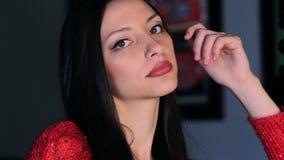 Schöne junge Frau stock video footage