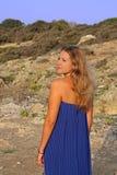 Schöne junge Frau auf dem Strand Lizenzfreie Stockbilder