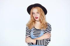 Schöne junge Frau des blonden Haares mit Make-up Lizenzfreie Stockfotos