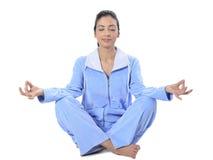 Schöne junge Frau im Pyjama Lizenzfreies Stockfoto