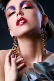 Schöne junge Frau im stilvollen Bild Lizenzfreie Stockbilder