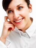Schöne junge Frau mit blauen Augen Stockfotografie