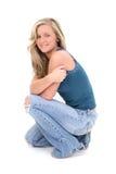 Schöne junge Frau mit dem blonden Haar und den Haselnussaugen Lizenzfreie Stockfotografie
