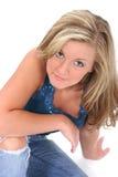 Schöne junge Frau mit dem blonden Haar und ha Stockfoto