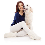 Schöne junge Frau mit einem Hund Stockfotos
