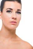 Schöne junge Frau mit perfekter Haut lizenzfreie stockbilder