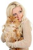 Schöne junge Frau mit persischer Katze Lizenzfreies Stockbild