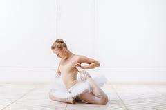Schöne junge Frauen-Ballerina Stockbild