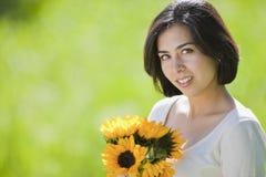 Schöne junge hispanische Frau   Lizenzfreies Stockbild