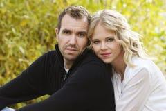 Schöne junge Paare stockfoto
