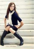 Schöne junge stilvolle Frau lizenzfreie stockfotos