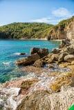 Schöne Küstenansicht, adriatisches Meer, Montenegro Stockfotos