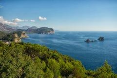 Schöne Küstenansicht, adriatisches Meer, Montenegro Lizenzfreies Stockfoto