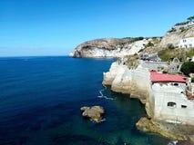 Schöne Küstenlinie im Süden von Italien stock abbildung