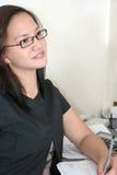 Schöne Karrierefrauen bei der Arbeit Lizenzfreies Stockbild