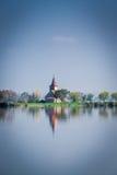 Schöne Kirche auf einer kleinen Insel Stockfoto