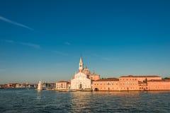 Schöne Kirche von San Giorgio Maggiore und sein Glockenturm, Ven Stockfotografie