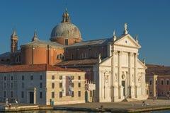 Schöne Kirche von San Giorgio Maggiore und sein Glockenturm, Ven Lizenzfreie Stockbilder