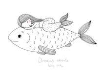 Schöne kleine Meerjungfrau und große Fische Stockbild