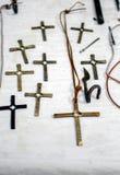 Schöne Kreuze handgemacht von geschmiedeten Metallen lizenzfreie stockbilder