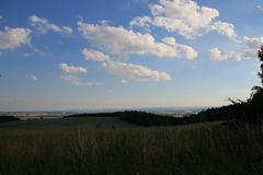 Schöne Landschaft in den Bergen im Sommer Lizenzfreies Stockbild
