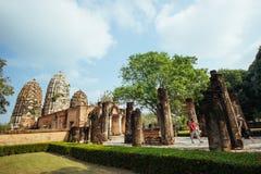 Schöne Landschaft des alten Tempels im sukhothai-historypark, Sukhothai, Thailand Stockbilder