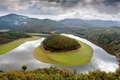Schöne Landschaft einer Windung gelegen in Spanien Stockfotos