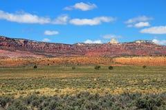 Schöne Landschaft mit bunter Wiese, großartiges Treppenhaus-Escalante-Nationaldenkmal, Utah stockbilder