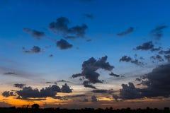 Schöne Landschaft mit Sonnenuntergang Lizenzfreies Stockbild