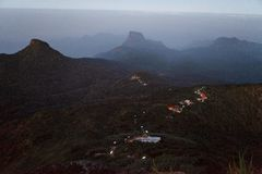 Schöne Landschaft Sonnenaufgang auf der ` s Berg-Sri Pada Adam Spitze Sri Lanka Lizenzfreie Stockfotos