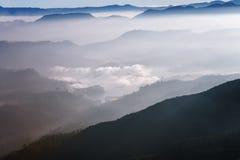 Schöne Landschaft Sonnenaufgang auf der ` s Berg-Sri Pada Adam Spitze Sri Lanka Stockfoto