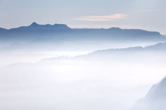 Schöne Landschaft Sonnenaufgang auf der ` s Berg-Sri Pada Adam Spitze Sri Lanka Lizenzfreies Stockbild