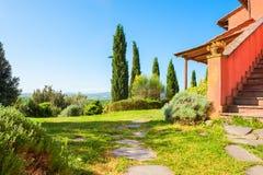 Schöne Landschaft in Toskana, Italien lizenzfreie stockfotografie