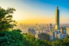 Schöne Landschaft und Stadtbild von Taipeh 101 Errichten und Architektur in der Stadt lizenzfreies stockfoto