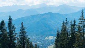Schöne Landschaft von Bergen, Ansicht bei Zakopane Stockfotografie