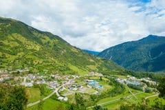 Schöne Landschaft von Papallacta-Berg an einem sonnigen Tag in Quito Ecuador lizenzfreies stockfoto