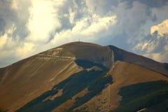Schöne Landschaften der Berge eingelassen dem Apennines, Italien stockbilder