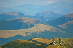 Schöne Landschaften der Berge eingelassen dem Apennines, Italien stockfotografie